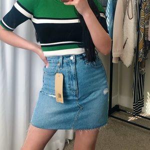 Levi's High-Rise Deconstructed Denim Skirt Size 2